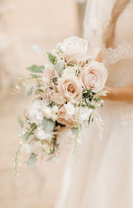 bouquet de mariée aux couleurs tendres