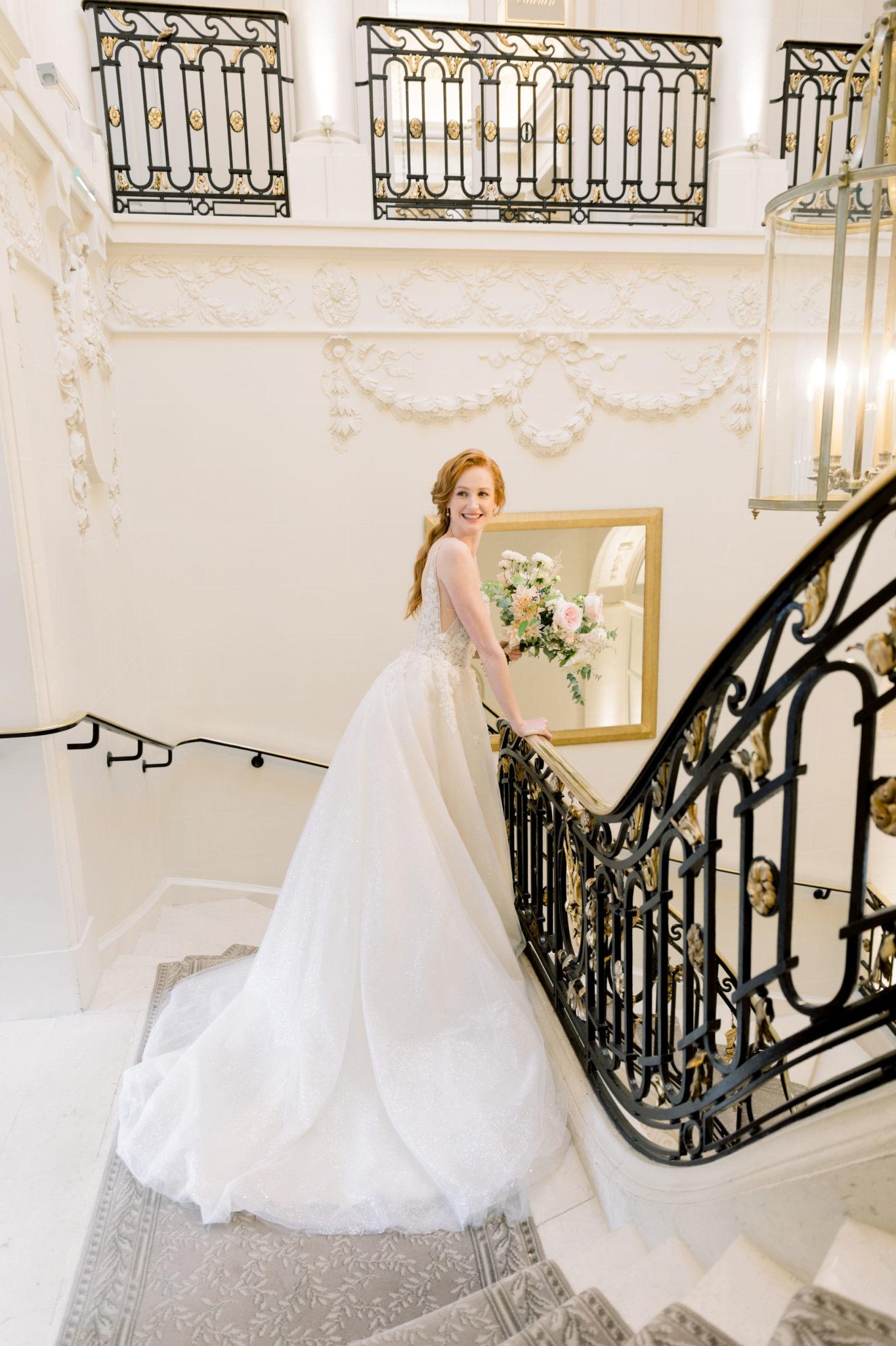 escalier palace parisien, Inspiration mariage luxueux esprit Marie Antoinette