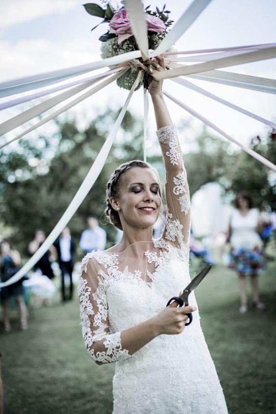 rituel rubans et bouquet de mariée
